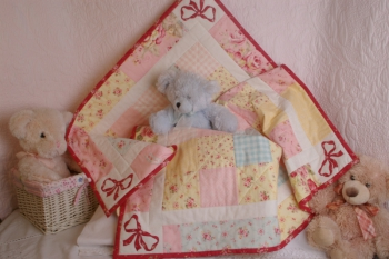 Bow-Delicious Baby Quilt image