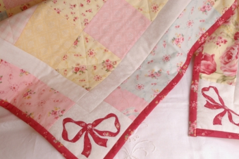 Bow-Delicious Cot Quilt image