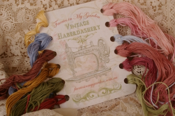 Vintage Haberdashery ~ Thread Holder