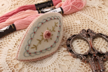Antique Chatelaine Set in Cream image