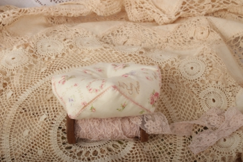 Sweet Rose Needlework Set image