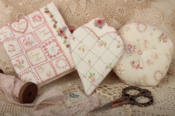 Sweet Rose Needlework Set