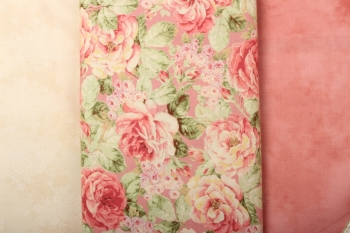 Rambling Rose Table Runner image