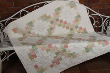 Spring Butterflies Double Irish Chain Sofa Quilt image