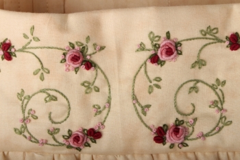 Granny Rose Dilly Bag image