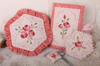 Sweet Love Needlework Set image