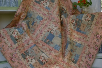 Nannas Eiderdown ~ Kits sold out in these fabrics. New fabrics available image